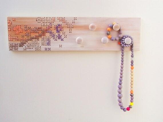 Cross Stitch Wood Wall Rack 5 Knobs