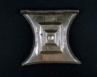 Engraved silver tuareg amulet pendant called shirawt - tuareg jewelry - ethnic and tribal