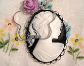 """The """"Quinn"""" Necklace in Black"""