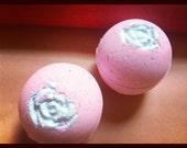 Bath bomb - Strawberry Bath Bombs With Grape seed oil 4oz
