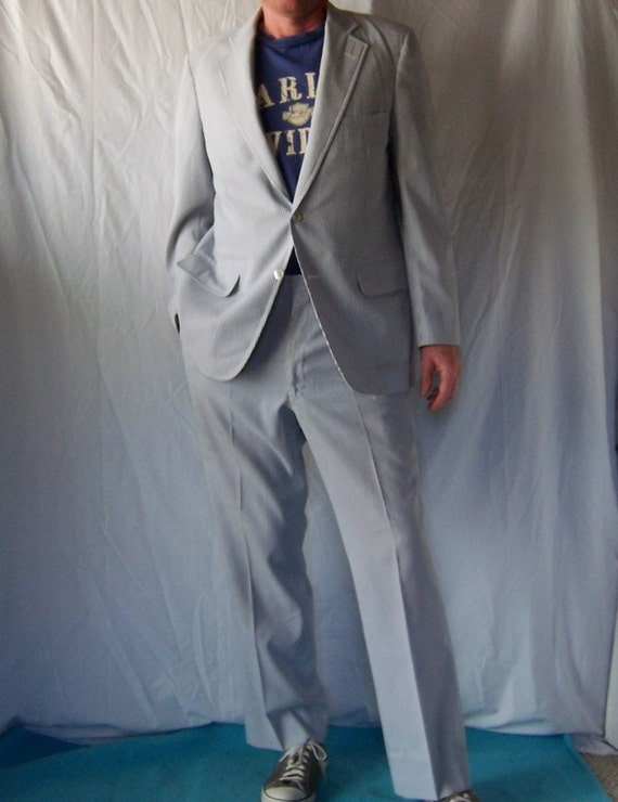 SALE Vintage Seersuker Seersucker Bloomingdale's Men's Store Suit in Classic Blue and White
