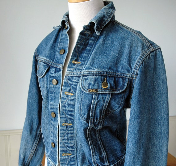 dating vintage lee jackets The history of levi's® is kept alive through the commitment to remain true to  those garments kept in the levi's® archive dating back to the 1870s levi®  vintage.