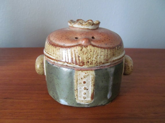 Lisa Larson era stoneware King lidded jar