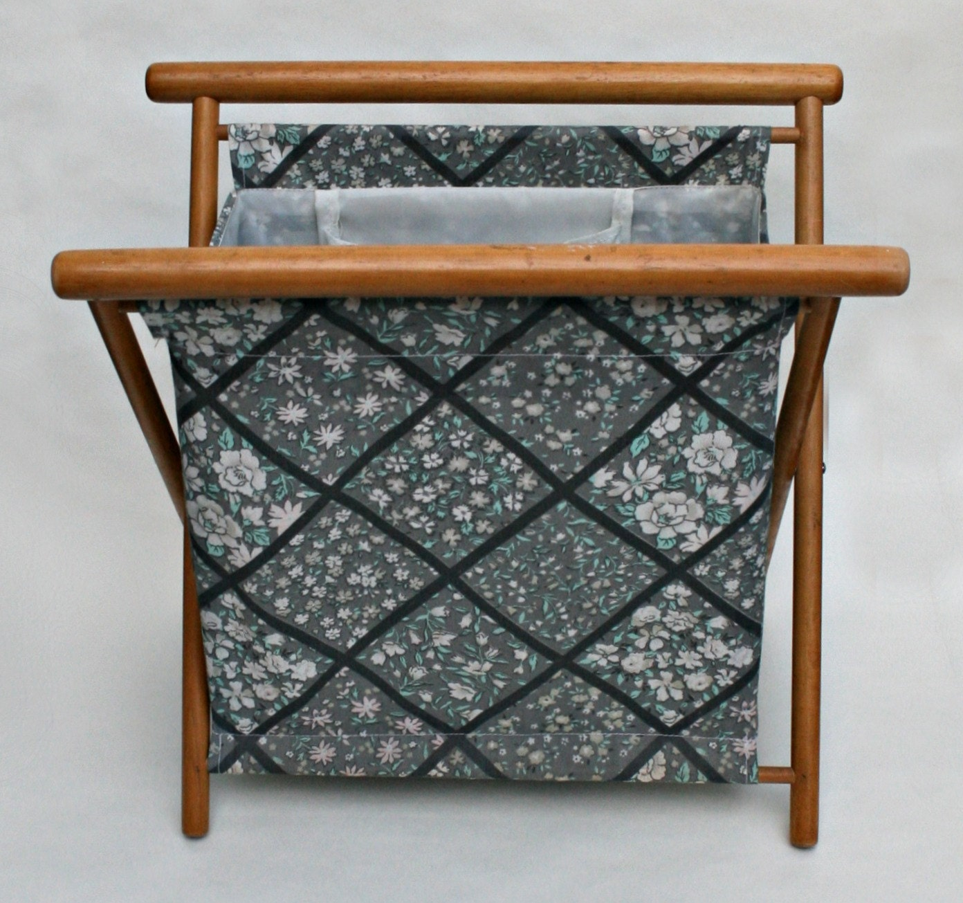 Knitting Bag Stand : Folding knitting sewing bag on wooden stand
