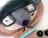 Felt brooch, brown doggy guy with eyeglasses