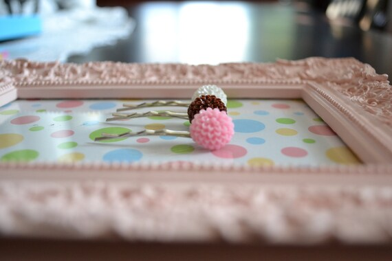 NEOPOLITAN cabochon flower resin bobby pins - set of 3