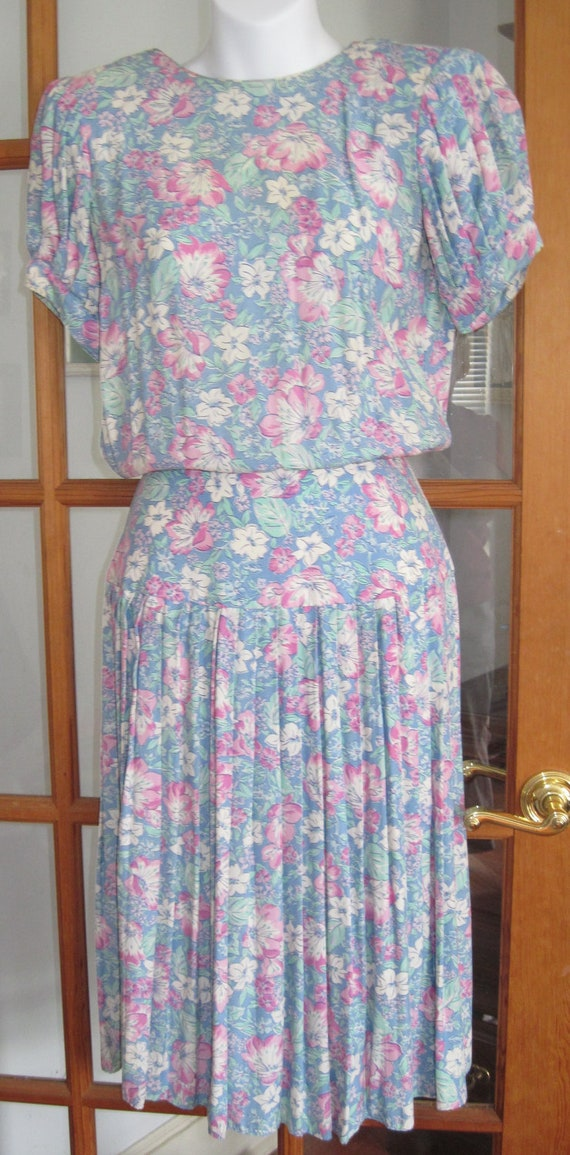 Price REDUCED: 1980s 80s Garden Party floral drop waist, pleated  dress Size 2 Petite