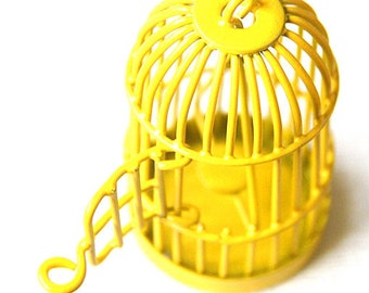 6 pcs Of metal bird cage pendant 28x28x35mm-MP1009-yellow