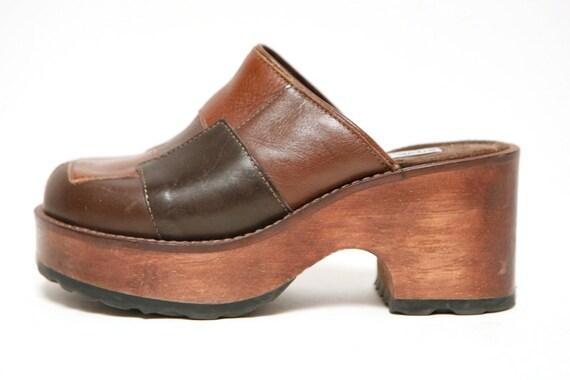 vtg 90s PLATFORM brown leather WOODEN CLOGS size 7