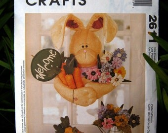 Uncut Pattern - McCalls 2611 - Welcome Bunny Wall hanging and accessories - Home Decor