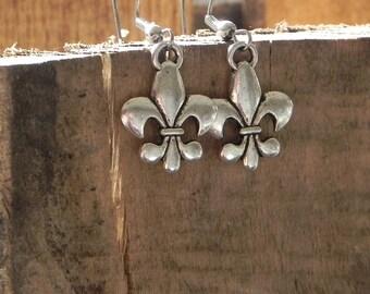 Silver Fleur de lis earrings