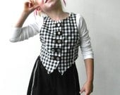 Girls top black and white - Girls vest - Girl top - Size 5/ 6/6X