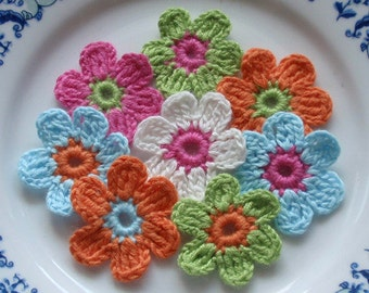 8 Crochet  Flowers In 1-1/4 inches YH - 053-02