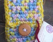 Crochet mobile phone pouch/Estuche para móvil