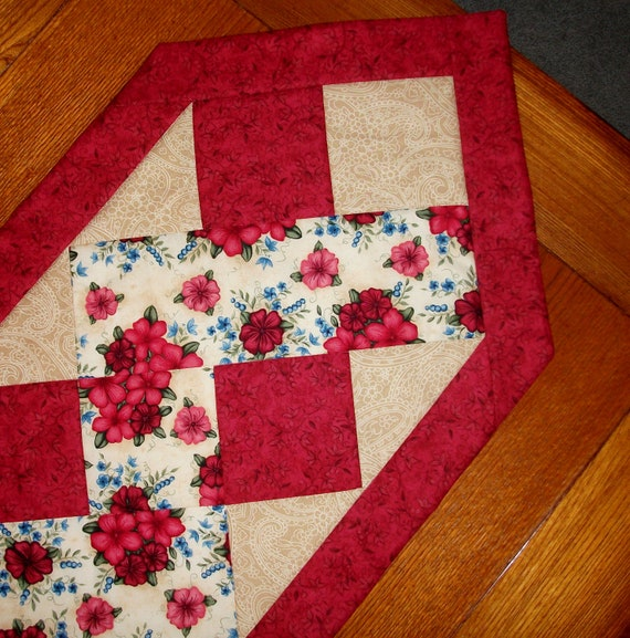 Quilted Table Runner Red And Tan Zig Zag By Foothillsstitchery
