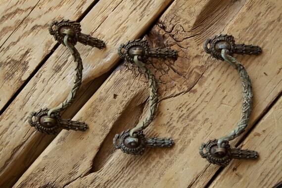 3 Antique knob pulls - 1930s