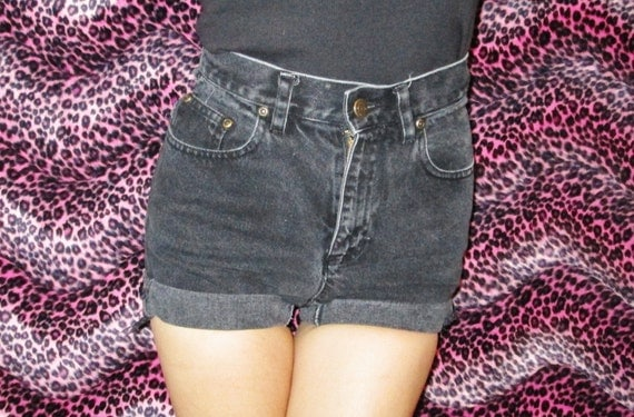Vintage High Waisted Black Denim Shorts size Small