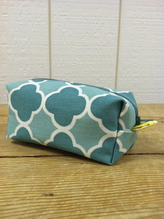 RESERVED for Nicole ONLY // Small Lined Makeup Bag // Seafoam Clover & Yellow Beans