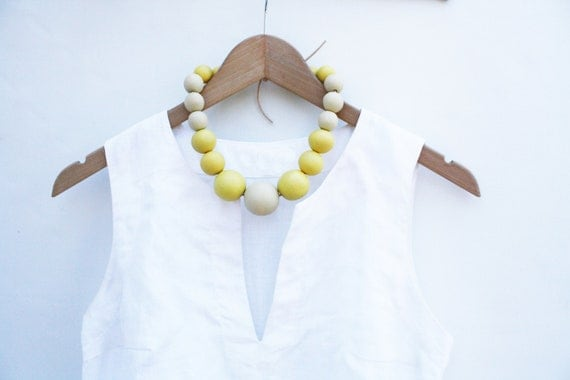 Lemone merengue - yellow & cream wooden necklace, round beads