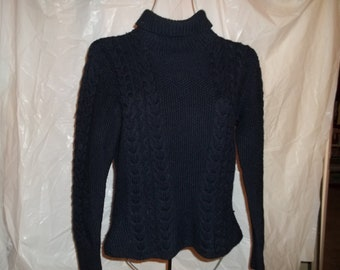 SALE ! 1980's Turtleneck cableknit sweater
