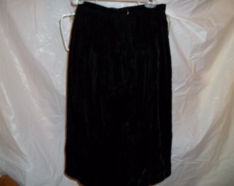SALE!!!  Great vintage Black velvet pencil skirt for holiday parties
