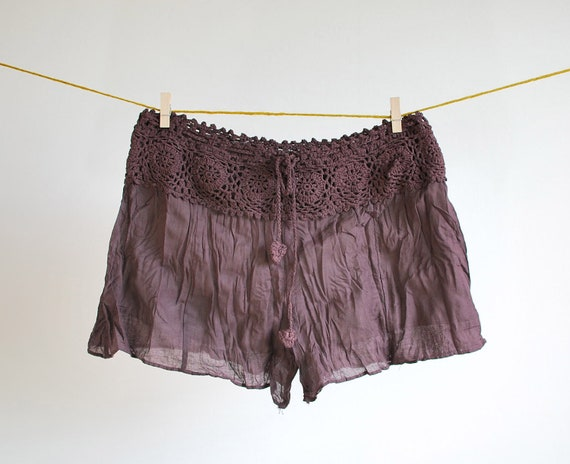 BOHO Crinkle Cotton Crochet Waist Short Pants One Size - Chocolate Brown