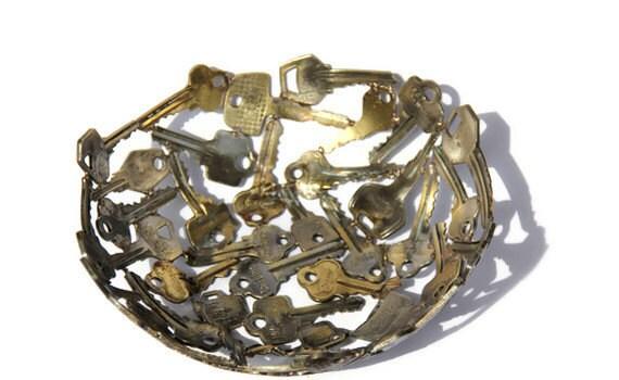 Medium key bowl 8, Key bowl, Metal sculpture ornament