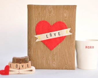PERSONALIZED HEART 4x6 Photo Album: Brown Woodgrain /Faux Bois Fabric, Big Heart Applique, Customizable Banner