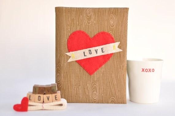 PERSONALIZED HEART 4x6 Photo Album: Brown Woodgrain /Faux Bois Fabric, Big Heart Applique, Customizable Banner