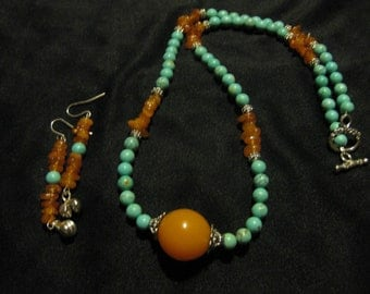 Magnesite and Amber Necklace Set