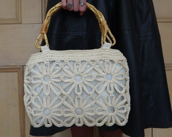 1960s Vintage Wood Handle knitted Hand Bag