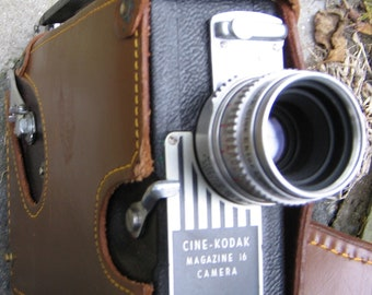 Cine Kodak 1940's Magazine 16 Movie Camera with Leather Carrying Case