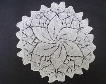 Gorgeous Knitted Lace Doily Snow White Pinwheel Centar Knitting