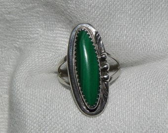 Vintage Ring Native American Indian Malachite Sterling Silver  Size 8