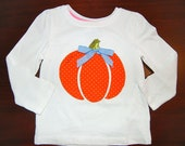 Pumpkin Applique Shirt w/ Swarovski Crystals, Girls Halloween Applique Shirt, Polka Dot Pumpkin with Bow, Girls Boutique Shirt, Customizable