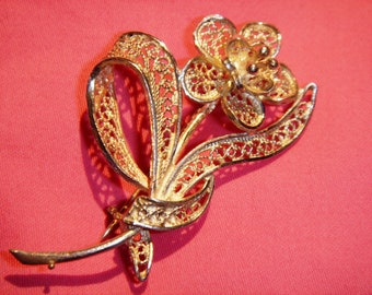 Brooch, delicate hand made filigree flower