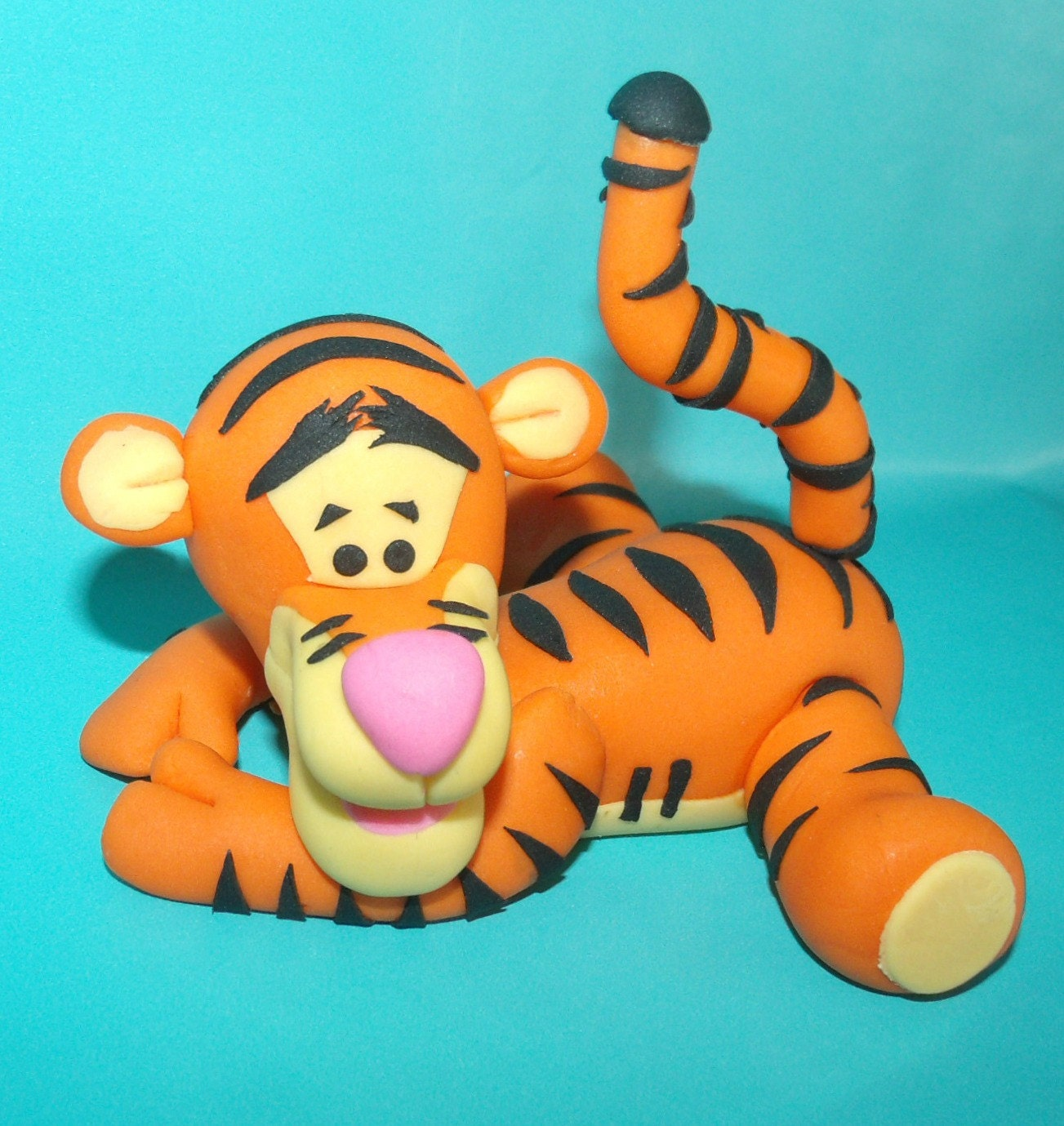 How To Make A Fondant Tigger Cake Topper