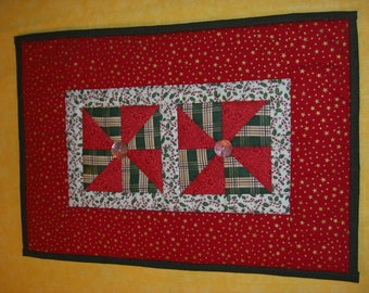 Christmas Pinwheels : 100% Hand sewn patchwork quilted table runner / wall hanging