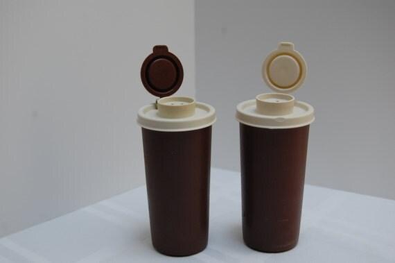 Vintage tupperware salt and pepper shakers brown for Vintage tupperware salt and pepper shakers