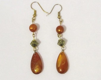 Vintage Jewelry Lucite Bead Dangle earrings