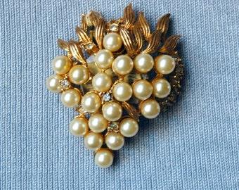 Alice Caviness Pearl and Rhinestone Vintage Pin
