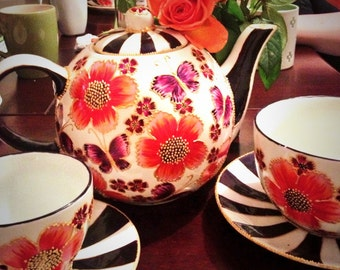 Hand Painted Teapot and 2 matching cups and saucers