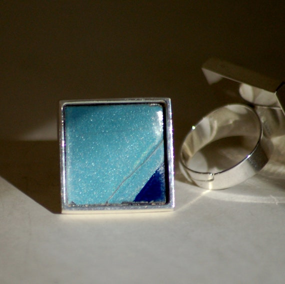 Square Silver Ring Blue Triangle License Plate Vintage Metal