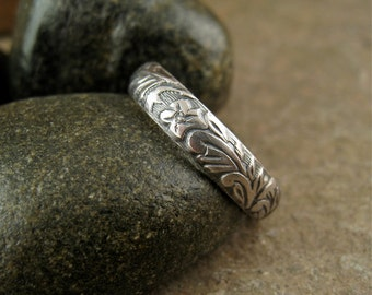 Silver Flower Ring Rustic Silver Wedding Band Nature Botanical Floral Ring Flower Wedding Ring