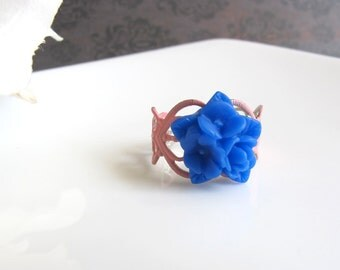 Spring Jewelry. Royal Blue Star Bouquet Flower Ring. Pink Patina Heart Filigree Ring. Floral accessory