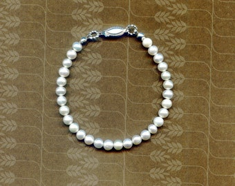 Pearl Bracelet White Round AAA 6mm freshwater pearl bracelet - 7 inches with fishhook type clasp, Weddings, Bridal pearls, gifts