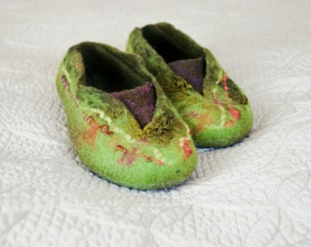 Women house shoes, Women felted wool slippers, chartreuse green and purple gift for her