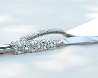 Swarovski crystal pearl cake server and knife set beaded cake cutting set unique bridal gift shower idea, pearl crystal wedding cake table