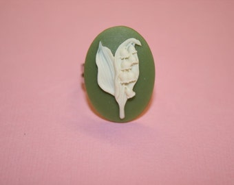 Medium Sage Green Lily of the Valley Cameo Ring