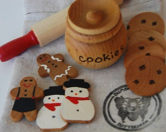 Wooden Holiday Cookie Baking Set